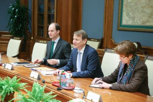 Вовремя рабочей встречи Алексея Миллера иПредседателя Правления Verbundnetz Gas AG (VNG) Ульфа Хайтмюллера