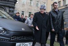 Пока Прохоров корчит в Америке клоуна, у Жириновского сломался «Ё-мобиль»